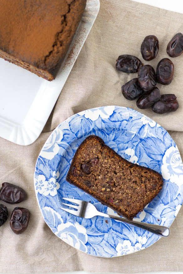 Date-and-Almond-Bread-3