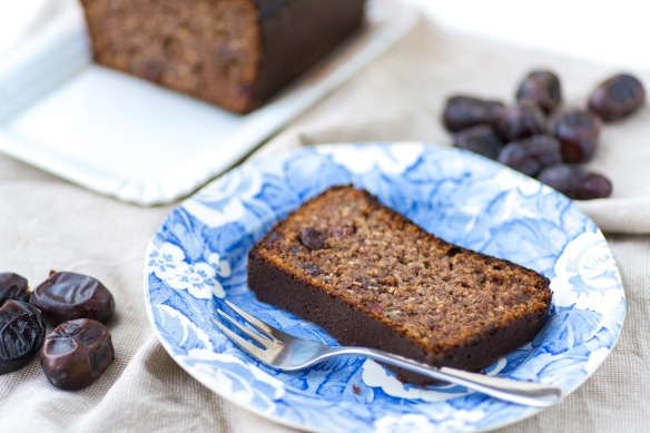 Date-and-Almond-Bread-4