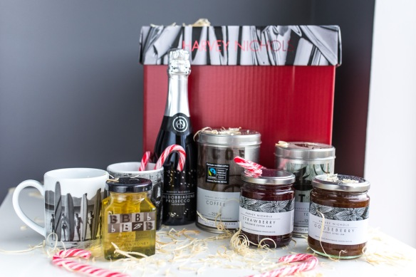 Luxury-Hamper-Christmas-Harvey-Nichols-7